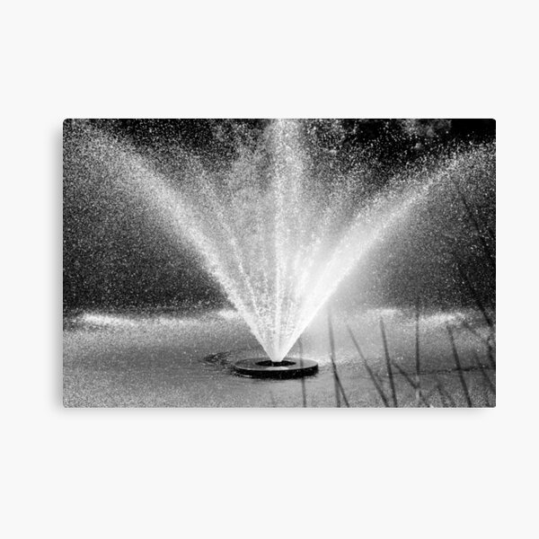 Waterperry fountain Canvas Print