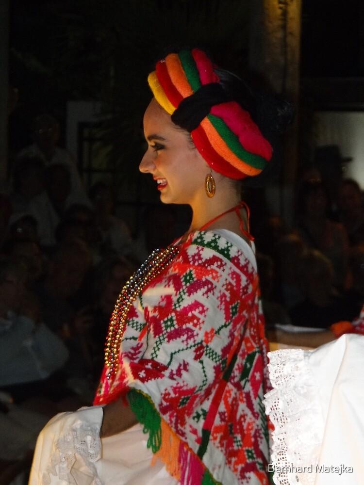 Happy Beauty - Belleza Feliz by Bernhard Matejka