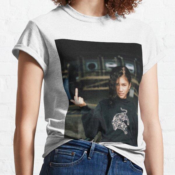 Zendaya Mittelfinger Classic T-Shirt