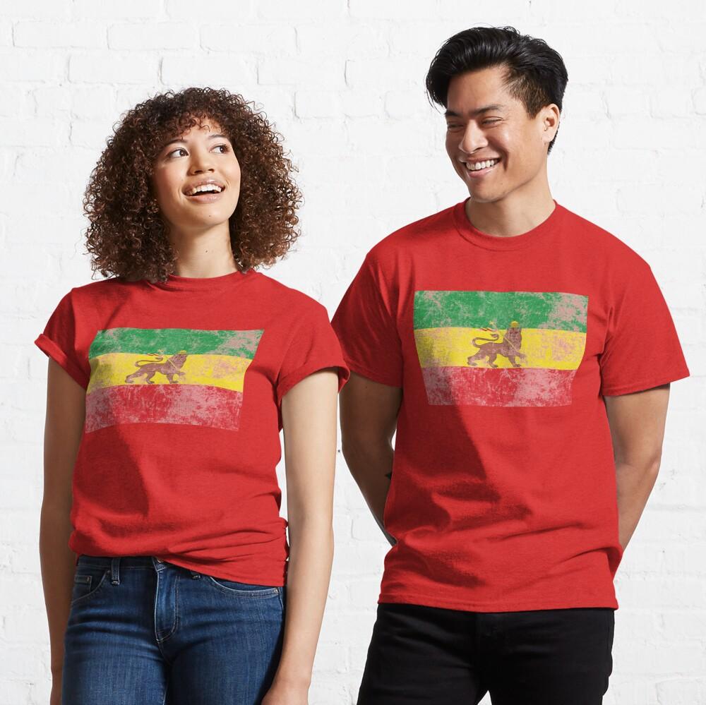 Old Flag of Ethiopia Lion of Judah Rastafarian Reggae Vintage Distressed Print Classic T-Shirt