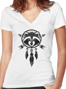 Raccoon Catcher Women's Fitted V-Neck T-Shirt