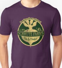 I enjoyed my stay at Schrute Farms (Green) T-Shirt