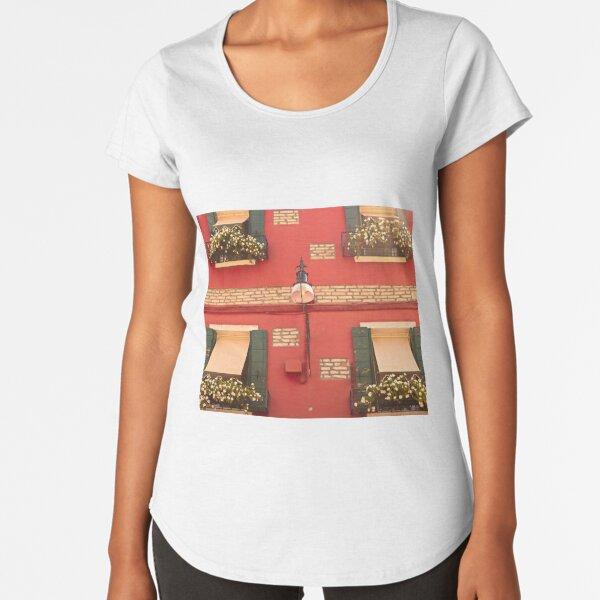 Window-boxes Premium Scoop T-Shirt