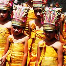 girls at puri agung ceremony by Michael Brewer