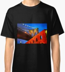 Brooklyn Bridge: NYC Classic T-Shirt