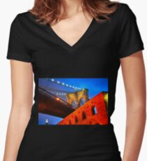 Brooklyn Bridge: NYC Women's Fitted V-Neck T-Shirt