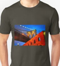 Brooklyn Bridge: NYC Unisex T-Shirt
