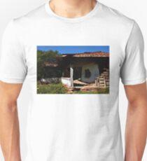 Dilapidated Haunted House  Unisex T-Shirt