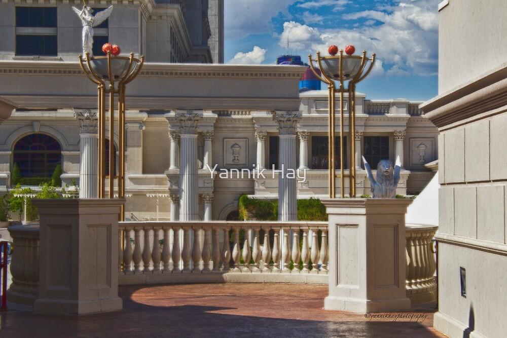 Las Vegas by Yannik Hay