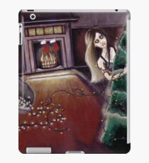 BLACK XMAS: Brighten up the Christmas lights iPad Case/Skin