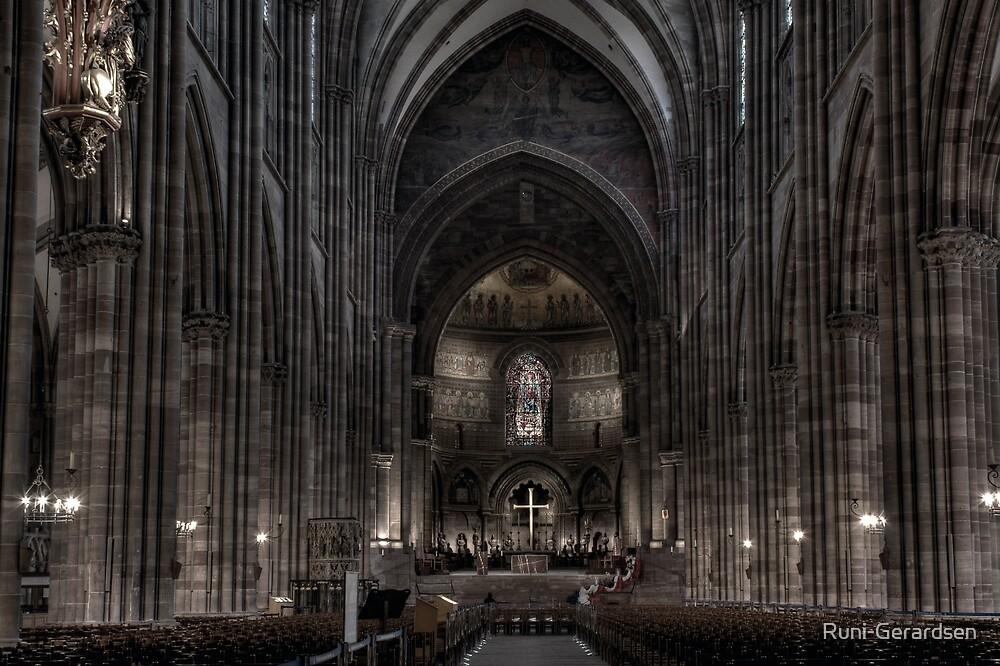Cathédrale de Strasbourg by Runi-Gerardsen