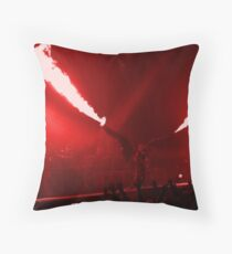 Engel Throw Pillow