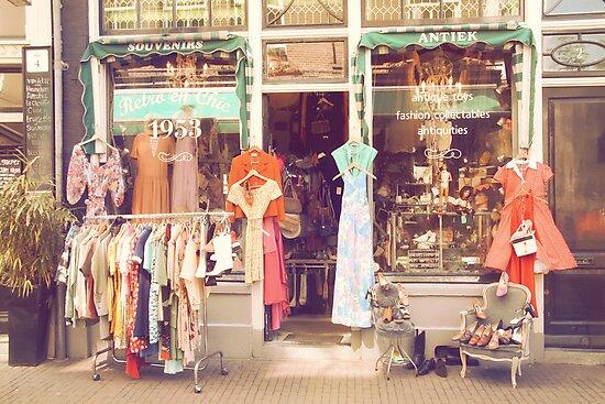 Vintage Fashion Shop by PetekDesign