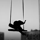 Swing elephant, swing by iulix