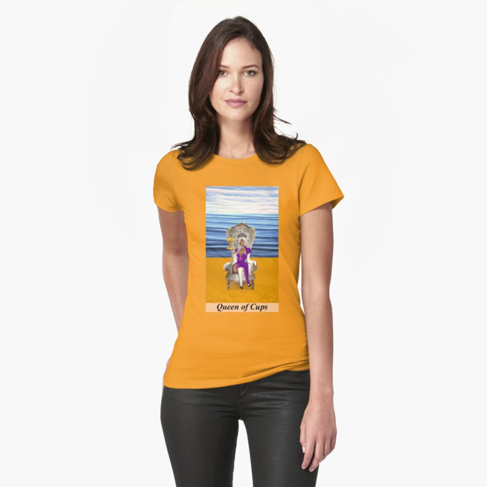 QUEEN OF CUPS Fitted T-Shirt