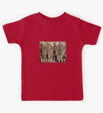 T-shirt Kiss It! Kids Tee