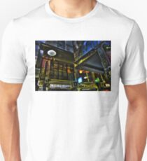 Degraves St 03 Unisex T-Shirt