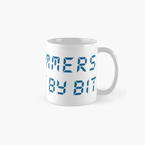 Programmers do it bit by bit (mug) Classic Mug
