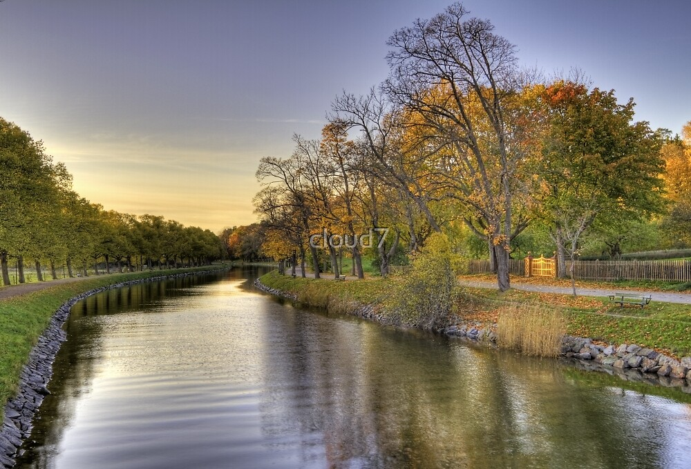 Idyllic canal in autumn. by cloud7