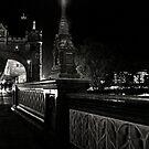 Tower Bridge by night by Laura Melis