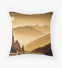 arlberg pass Throw Pillow
