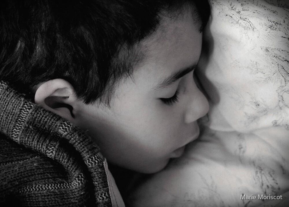 Mon bébé dort! by Marie Moriscot