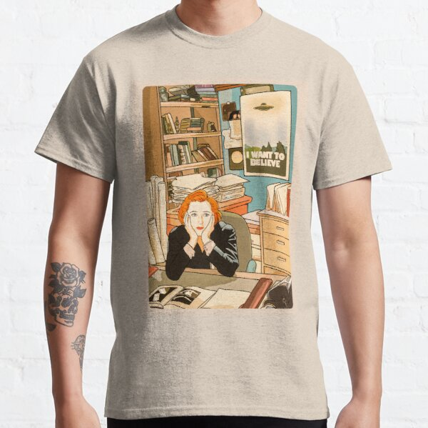 The skeptical Dana Scully in the Mulder s office The X Files  Classic T-Shirt