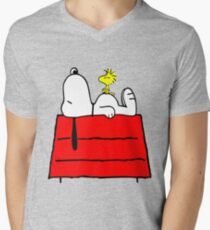 Snoopy chill out Men's V-Neck T-Shirt