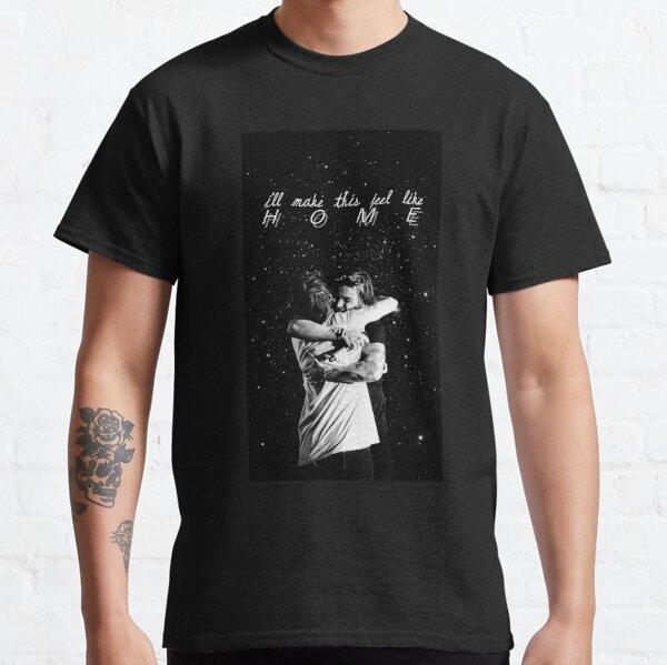 larry stylinson hug Classic T-Shirt