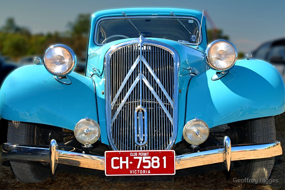 Citroen Traction - 1951 by Geoffrey Higges