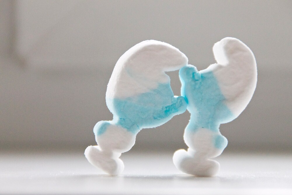 Smurf Kiss by Liis