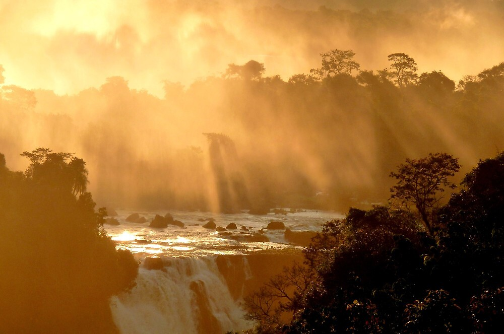 sunrays at Iguassu Falls by supergold