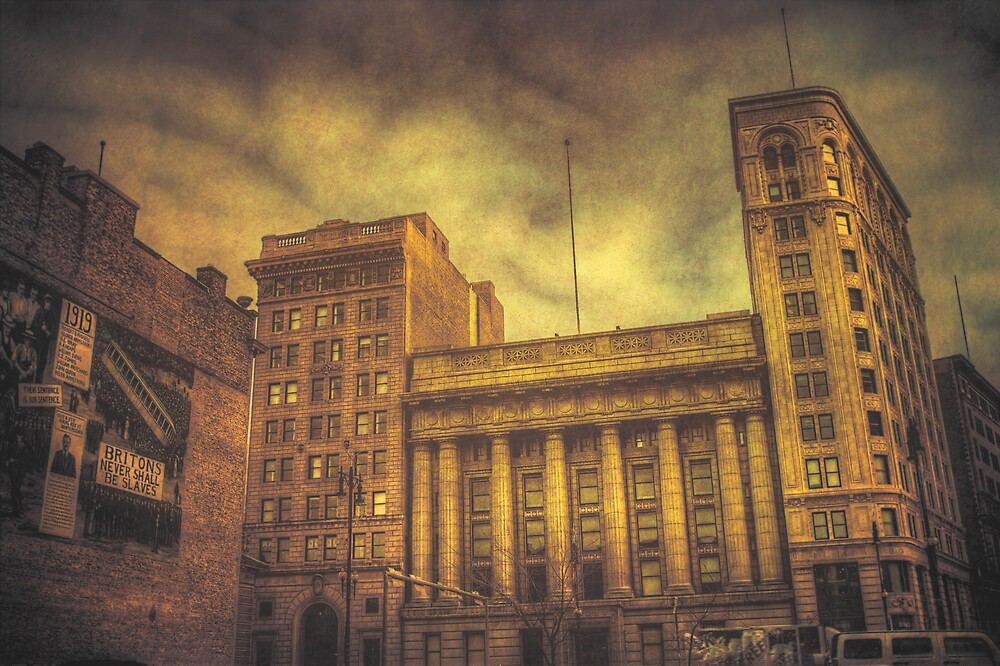 Downtown Winnipeg by Bendinglife