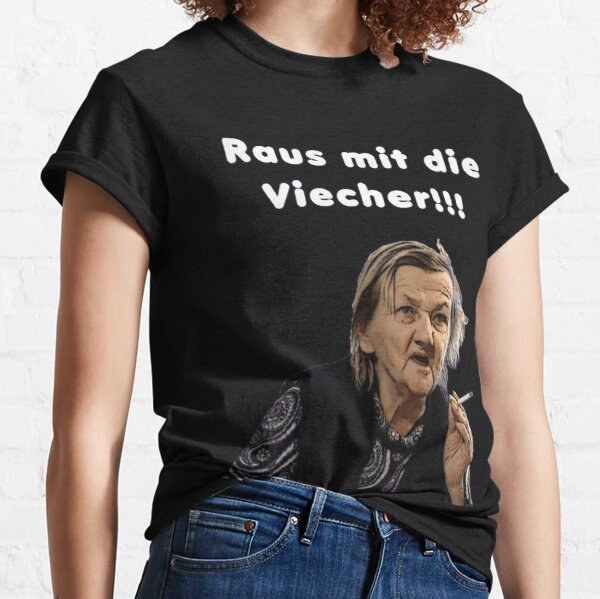The Ritter family out with Die Viecher Classic T-Shirt