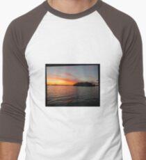 Rocket Powered Island Men's Baseball ¾ T-Shirt