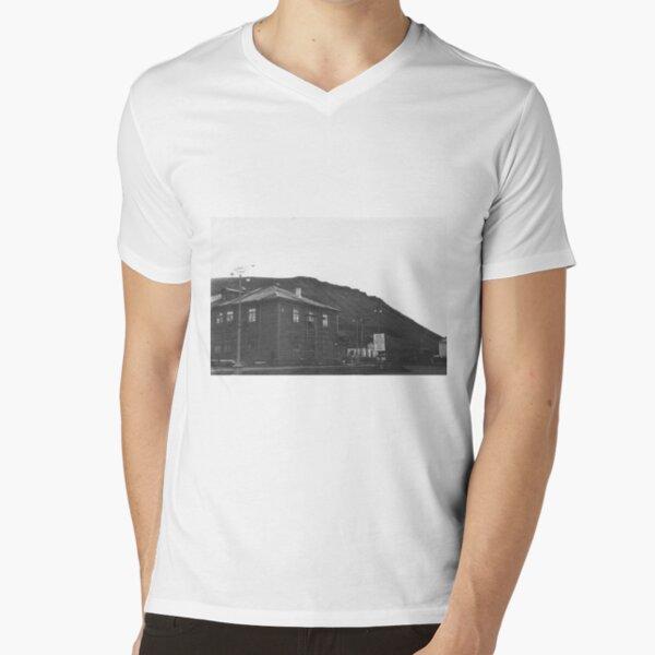 Norilsk, Norillag, Норильск, Норильлаг, Gulag, ГУЛаг V-Neck T-Shirt