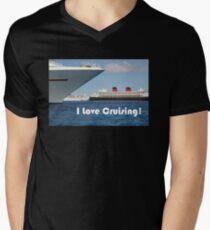 I Love Cruising Men's V-Neck T-Shirt