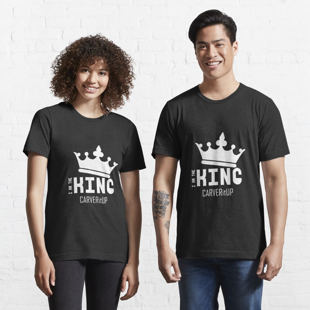 "CARVERitUP ""I am the King"" White logo Essential T-Shirt"