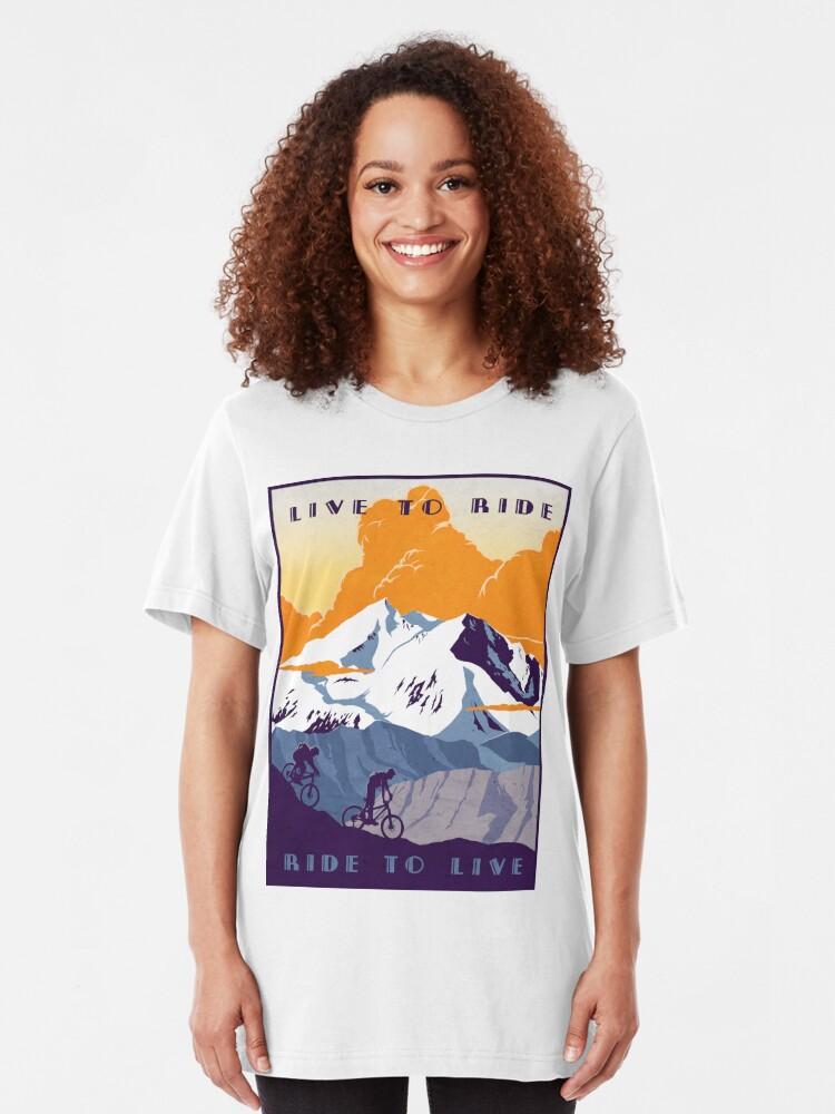 Vista alternativa de Camiseta ajustada Cartel de ciclismo retro Live to Ride, Ride to Live