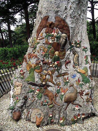 Fairy Tree - Fitzroy Gardens, Melbourne by SophiaDeLuna