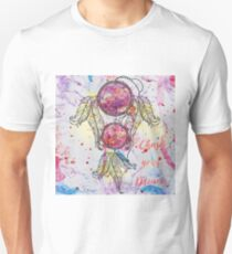 """Watercolor sketch Dreamcatcher """"Chase your Dreams"""" quote T-Shirt"""