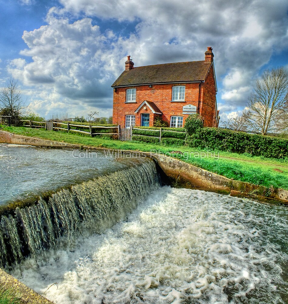 Papercourt Lock Cottage  -  HDR by Colin  Williams Photography