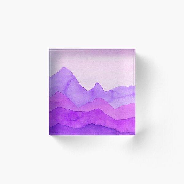 Berge in Magenta, Lila, Violett, Acrylblock