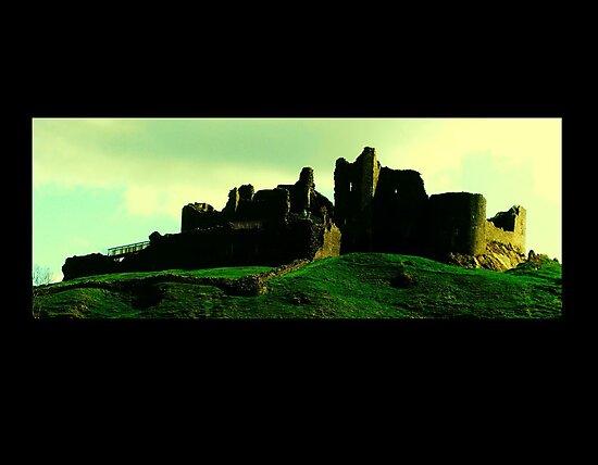 Carreg Cennen Castle / Castell Carreg Cennen by Alun Wyn Walters