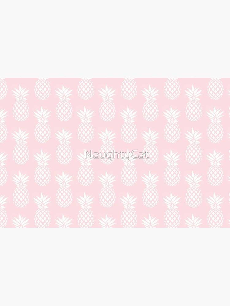 Cute & elegant pineapple pattern by NaughtyCat