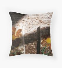 SPRING 19 - PLANT AND GROW COLLECTION Throw Pillow