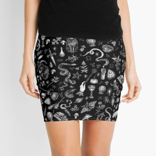 Bruja de Salem en negro Minifalda