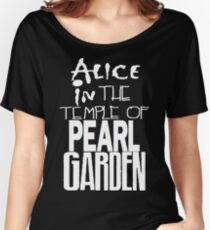 """ Alice in The Temple Of Pearl Garden"" Women's Relaxed Fit T-Shirt"