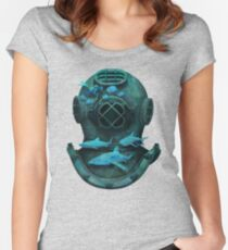 Deep diving Women's Fitted Scoop T-Shirt