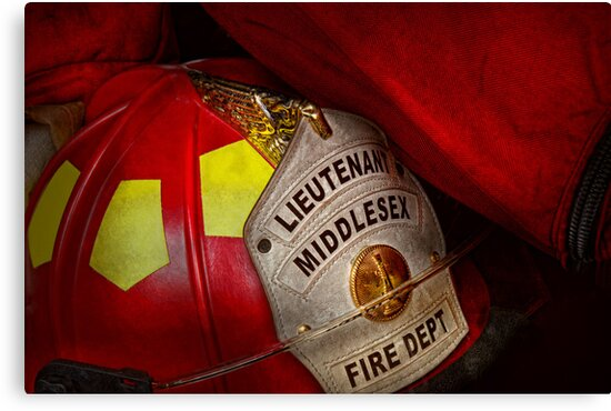 Fireman - Everyone loves red by Mike  Savad